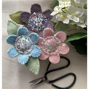 Sallieann Quilts Flower Pincushion Instructions
