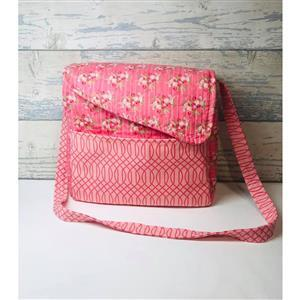 Living in Loveliness Alexia Messenger Bag Pattern