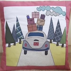 Helen Newton's Driving Home for Christmas Cushion Kit: Pattern,Panel, FQ (1pc) & Fabric (0.5m)