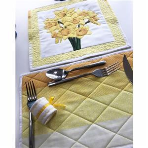 Wendy Gardiner's Flower of the Month Table Mat Instructions