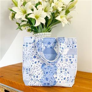 Wendy Orlando's Blue China Hexie Bag Kit: Instructions, Fabric Panel & Fabric (0.5m)