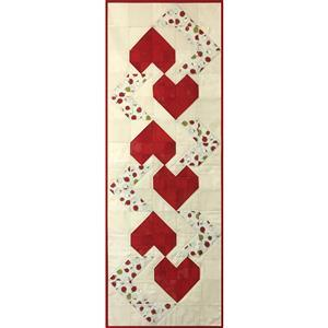 Village Fabrics Strawberry Hearts Table Runner Kit