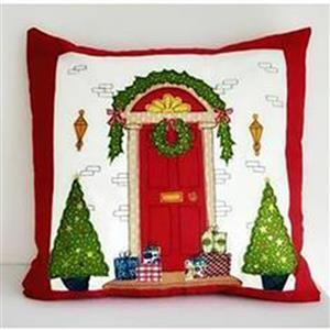 Helen Newton's Christmas Cushion Kit: Pattern, Panel, FQ (1pc) & Fabric (0.5m)