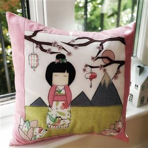 Helen Newton's Japanese Girl Cushion Kit, Instructions, FQ (5pcs) & Fabric (0.5m)