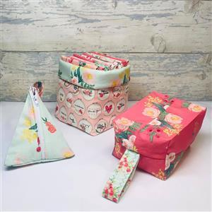Living In Loveliness - Fabulously Fast Fat Quarter Fun Riley Blake Option. Issue 3